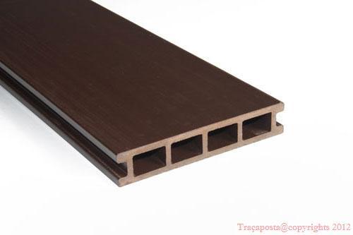 tradeck lames terrasse bois composite 50 bois 50 pvc brun clair 2200x140x23mm. Black Bedroom Furniture Sets. Home Design Ideas